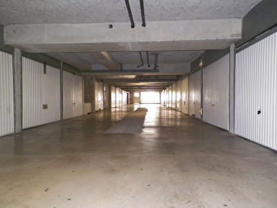 Parking / box / Garage 13.5 m2 Montpellier ST CLEOPHAS